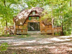 アメリカのウェストバージニア州にある宿泊できるドームハウス