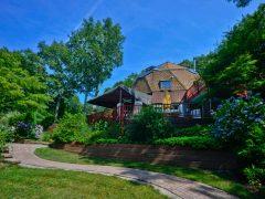 アメリカのニューヨーク州ハンプトンベイズで宿泊できるドームハウス