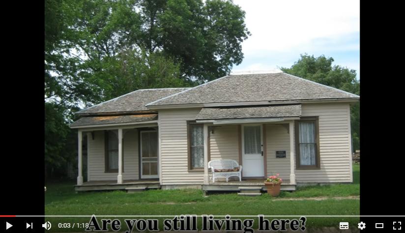 あなたはまだここに住んでいますか?