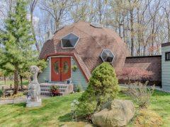 上品でにぎやかな暖色系のニュージャージーのドームハウス