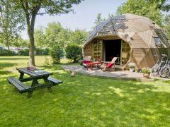 オランダのデルフトにある大きさ12坪の小さなドームハウス