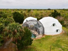 フロリダのスペースコーストにあるドームハウス
