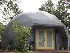 アメリカのフロリダ州レイク・ウェルスにあるドームハウス