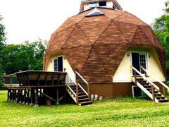 アメリカのニューヨーク州ディアーパークにあるドームハウス