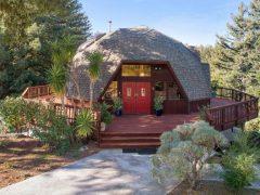 アメリカのカリフォルニア州ボルダー・クリークにあるドームハウス
