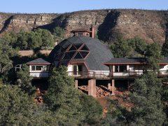 アメリカのアリゾナ州セドナにあるドームハウス