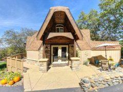 アメリカのカリフォルニア州シングル・スプリングスにあるドームハウス