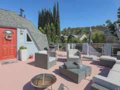 アメリカのカリフォルニア州ウッドランドヒルズにあるドームハウス