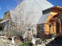 アメリカのカリフォルニア州アップルバレーにあるドームハウス